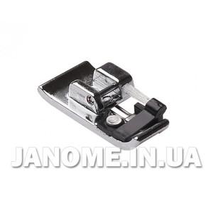822-801-001 JANOME 822801001 Лапка оверлочная с щеточкой (C)